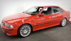 BMW – haalistunut & naarmiintunut