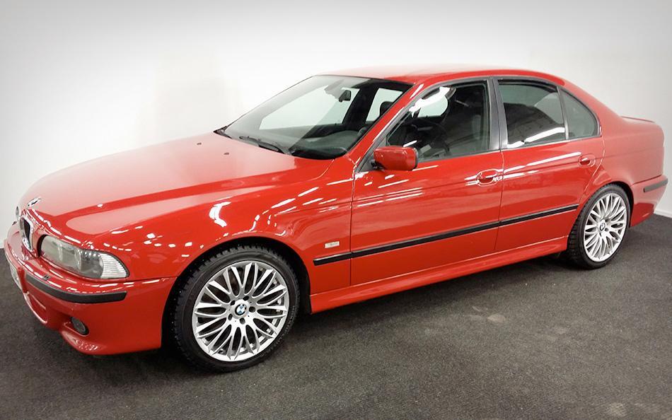 Punainen BMW